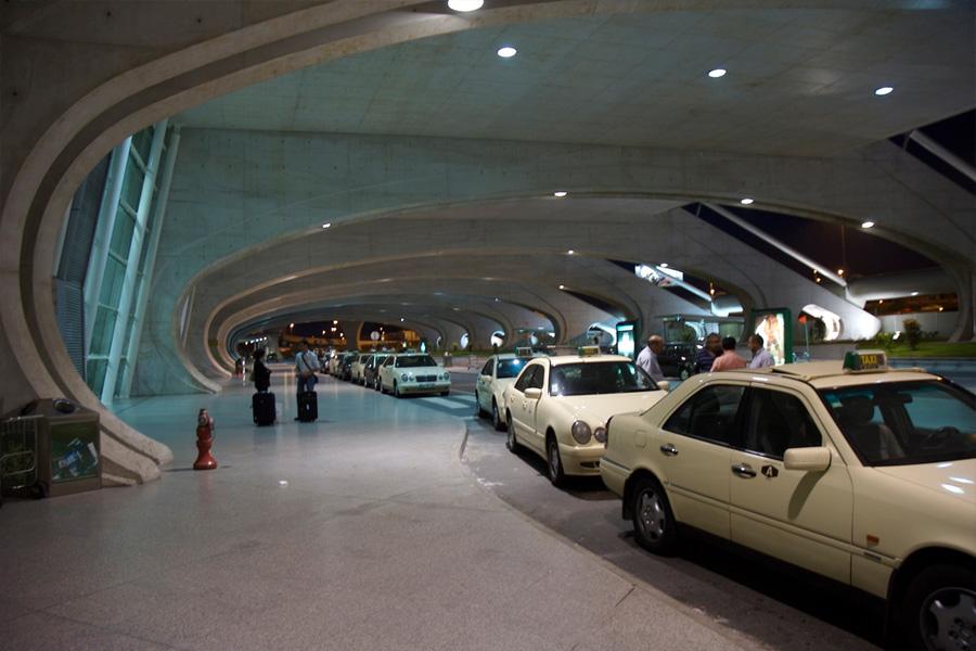 taxis-salida-aeropuerto-oporto