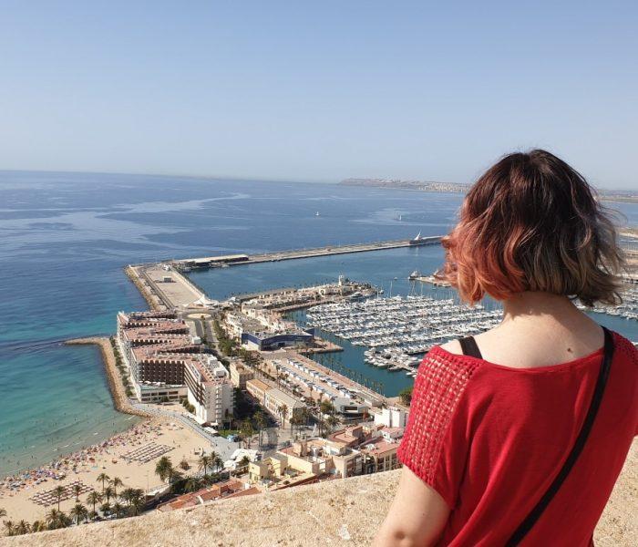 Descubriendo Alicante con adolescentes en mediodía